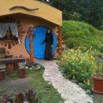 Edith-Lesley-Foley-hobbit-house-2